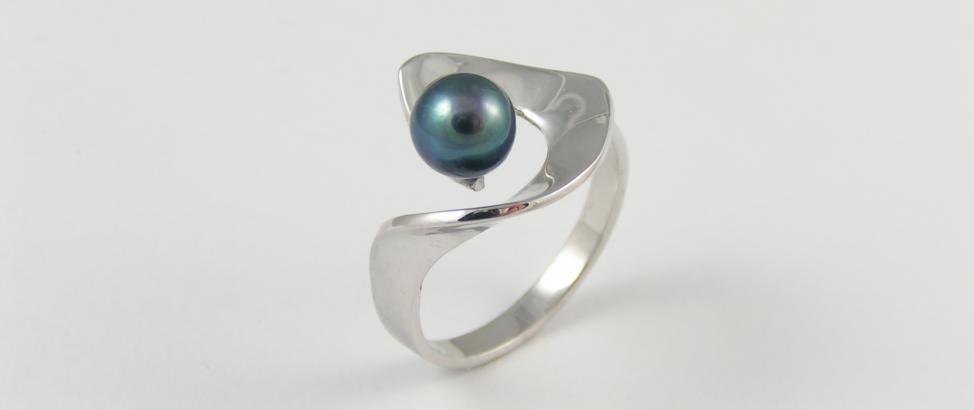 prsten s perlou